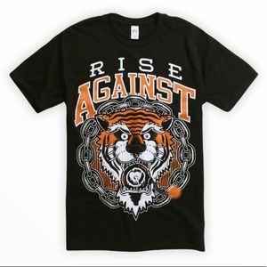 ☀️ NWT RISE AGAINST Logo Design Tiger Bomb Black T